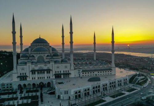 İstanbul Çamlıca Cami Karbon Film Isıtıcı İle Isınıyor